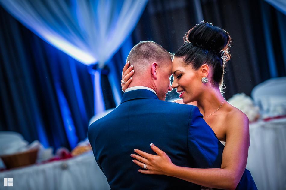 Jenn-Andy-Niagara-Falls-NY-Wedding-1-8